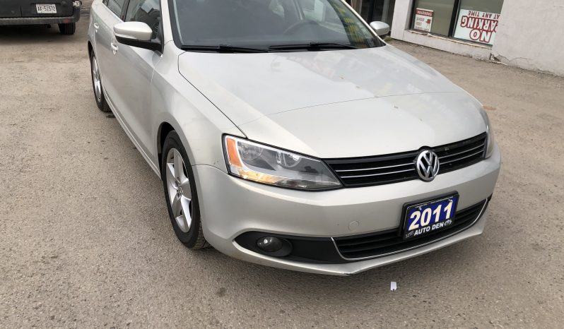 2011 VW Jetta (Navigation, Leather Seats, Sunroof, Alloy Rims) full